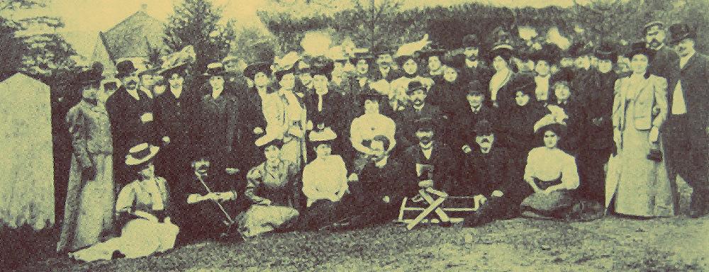 Stoisko Koła Ziemianek na wystawie rolniczej w Łukowie - 1908 r.